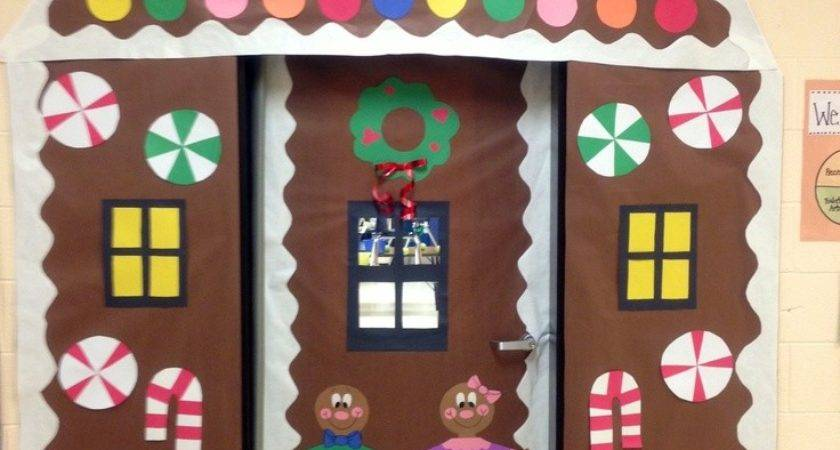 Awesome Christmas Door Decoration Ideas Every Home