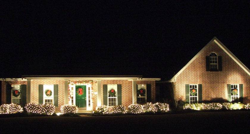 Beautiful Outdoor Christmas Decorating Ideas