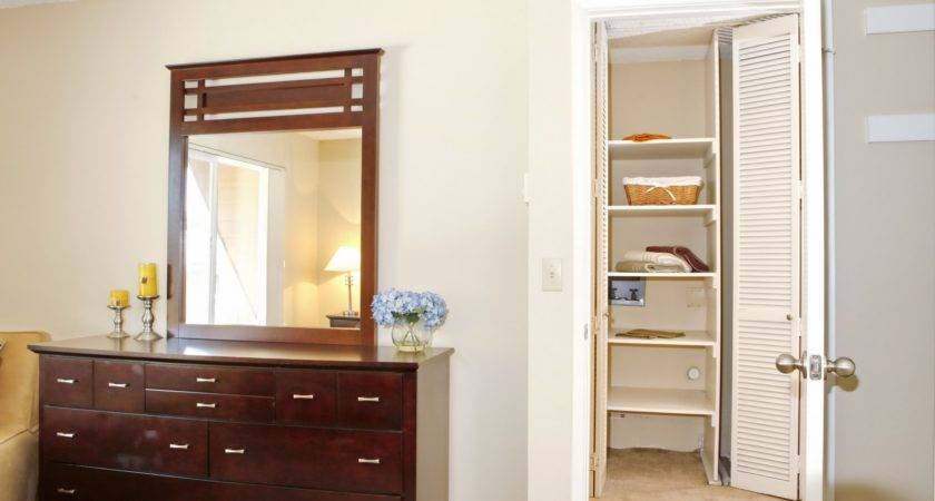 Bedroom Cabinets Small Rooms