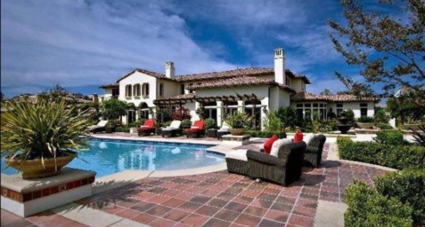 Celebrity Houses Amazing Paved Areas