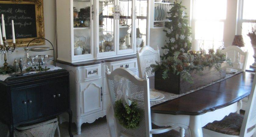 Comfy Little Place Own Chair Wreaths