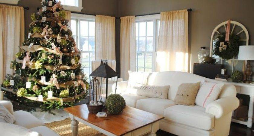 Cozy Cottage Living Room Facemasre