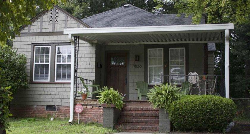 Cozy Renovated Bungalow Charlotte Booking