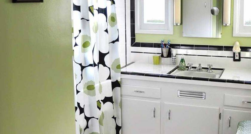 Dawn Creates Classic Black White Tile Bathroom