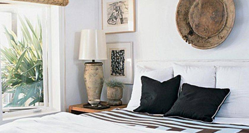 Decorating Bedrooms White Walls