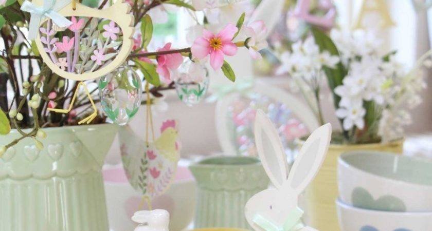 Decorating Easter Pastel Decorations