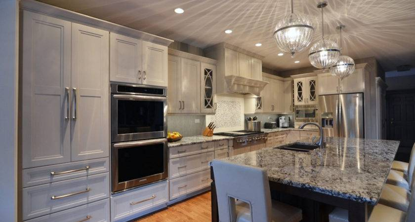 Elegant White Transitional Kitchen Master