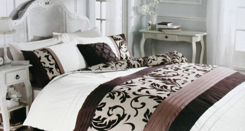 Florence Duvet Cover Luxury Pleated Chocolate Brown