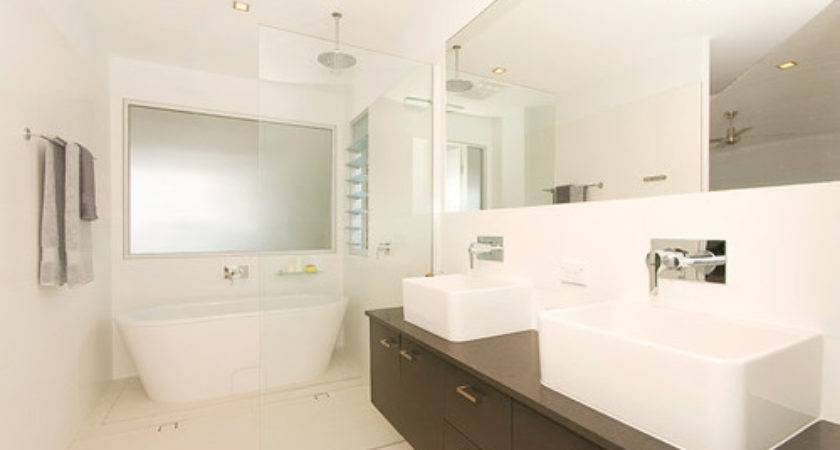 Freestanding Bath Small Space Yes