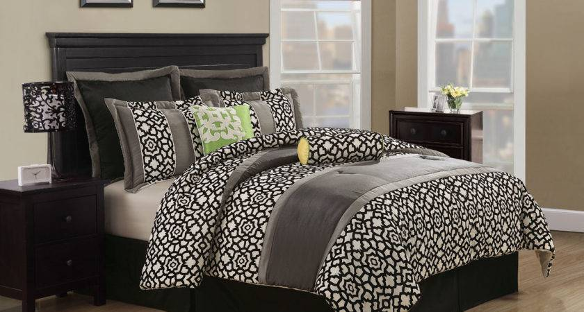 Gray White Geometric Comforter King Bed