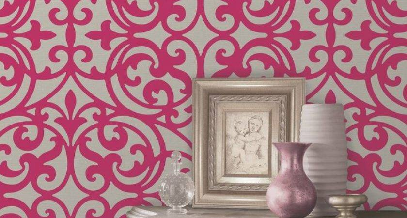 Hanging Patterned Feature Wall