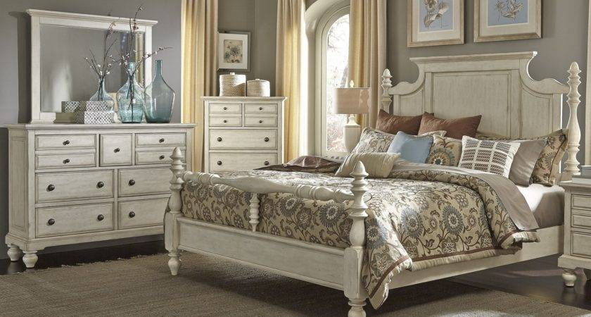 High Country White Poster Bedroom Set Liberty