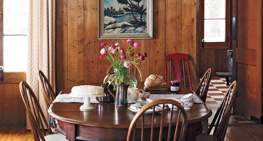 Interior Cozy Cottage Style Home