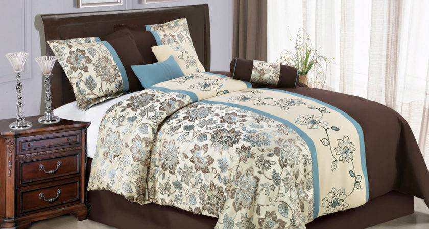 Jacquard Embroidery Flower Striped Comforter Set