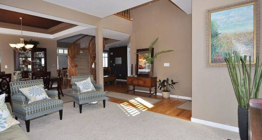 Living Room Has Custom Paint Colors Rogers Realty