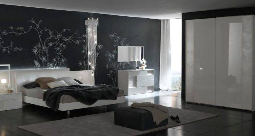 Made Italy Quality Modern Design Bed Set Feat Crocodile