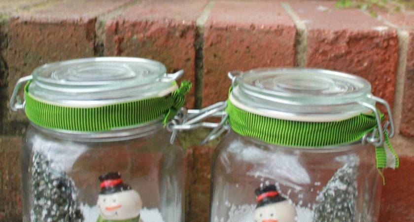 Make Easy Snowman Christmas Table Centerpieces
