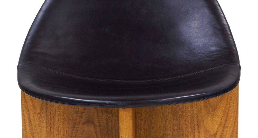 Nido Lounge Chair Solid Walnut Black Leather