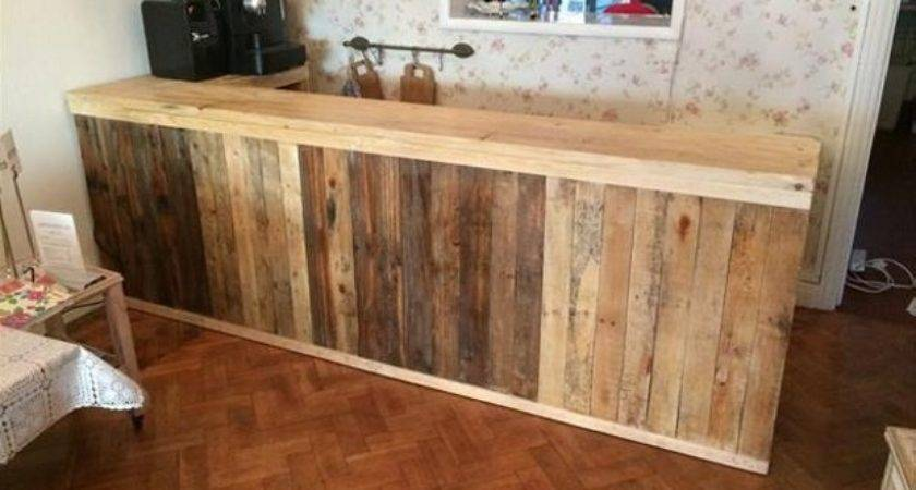 Recycled Wood Pallet Bar Ideas