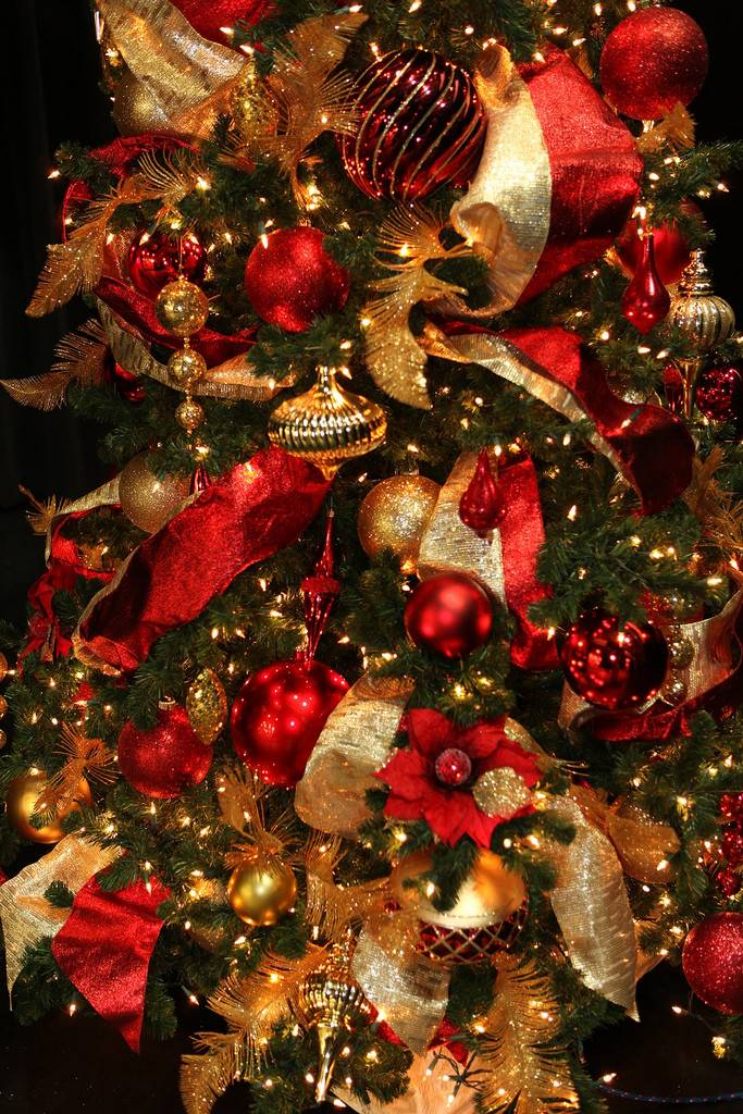 The 17 Best Red And Gold Christmas Decorations Barb Homes