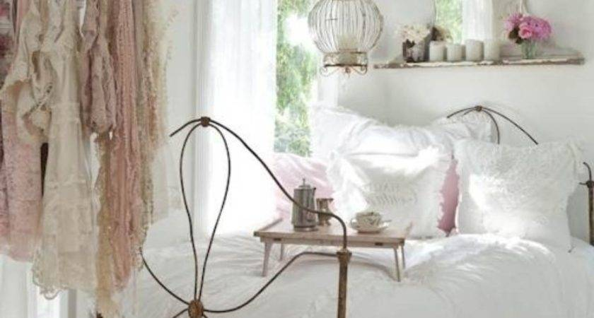 Refreshing Shabby Chic Decorating Ideas