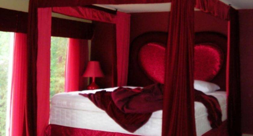 Room Decoration Couple Red Bedroom Ideas