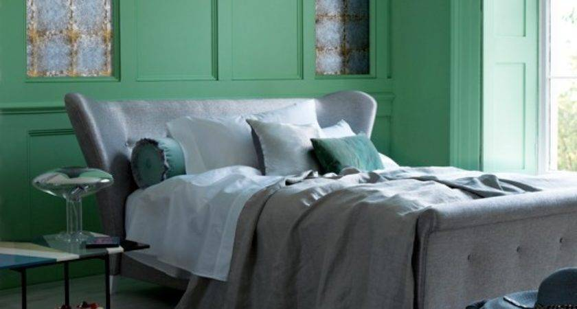 Serene Green Bedroom Decorating Ideas