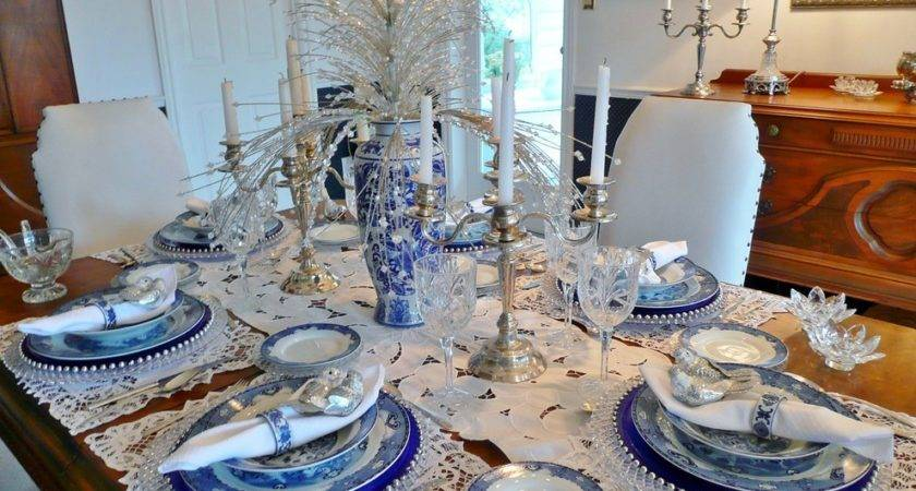 Set Trendy Table Holiday Season