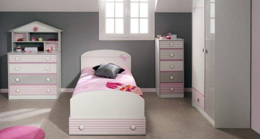 Storage Solutions Small Bedrooms Showcasing