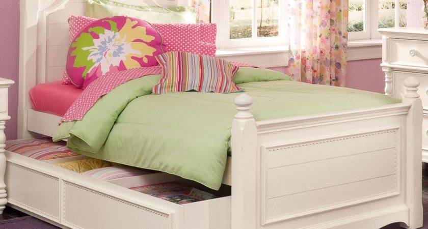Twin Beds Girls Green White Blue Bedroom Decor