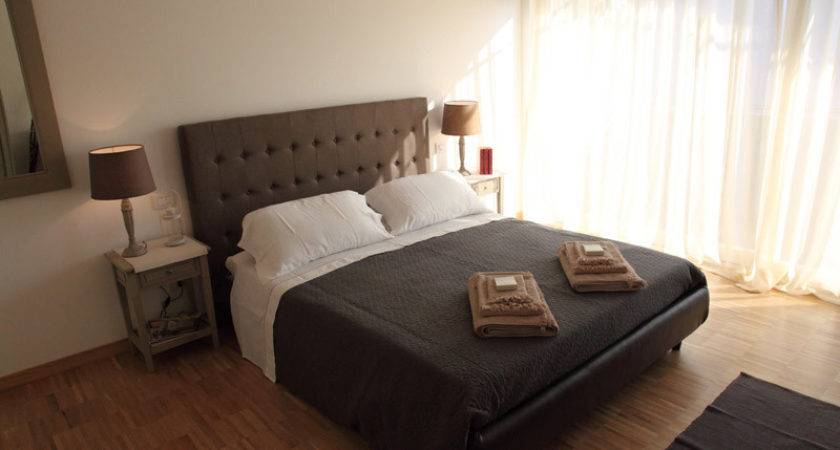Two Studio Apartments Comfortable Rooms Sofa Bed