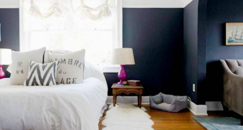 Two Toned Painted Rooms Decoration