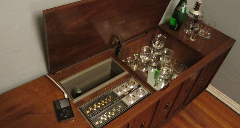 Vintage Zenith Stereo Console Bar Cabinet Ipod