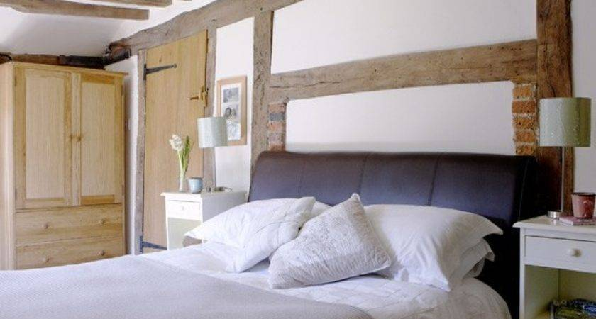 White Country Bedroom Decorating Ideas