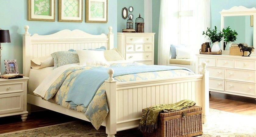 White Country Bedroom Furniture Design
