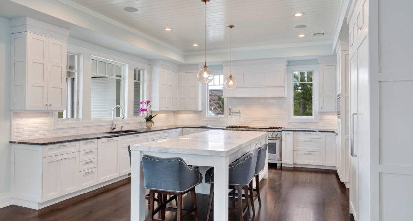 White Transitional Kitchen Mantoloking New Jersey